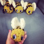 crochet bees - super chunky yarn, free crochet pattern