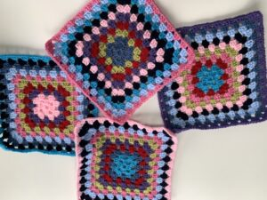 granny squares, colourful crochet blanket free pattern