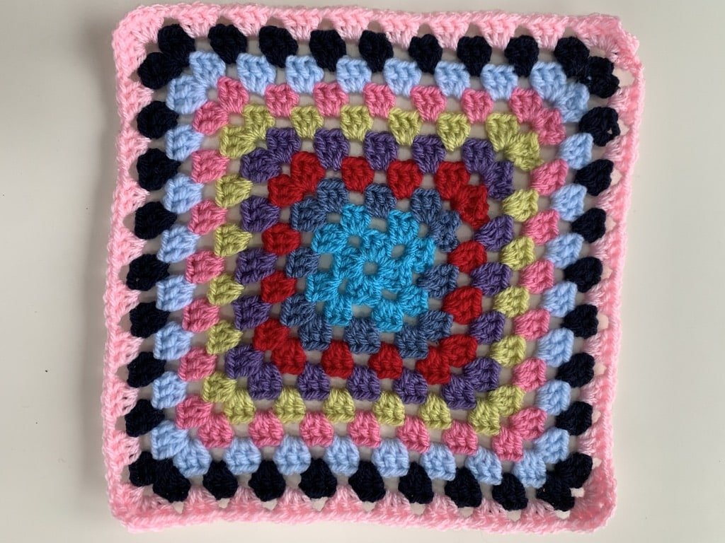 granny square bright blanket free crochet pattern #nobrainerCAL