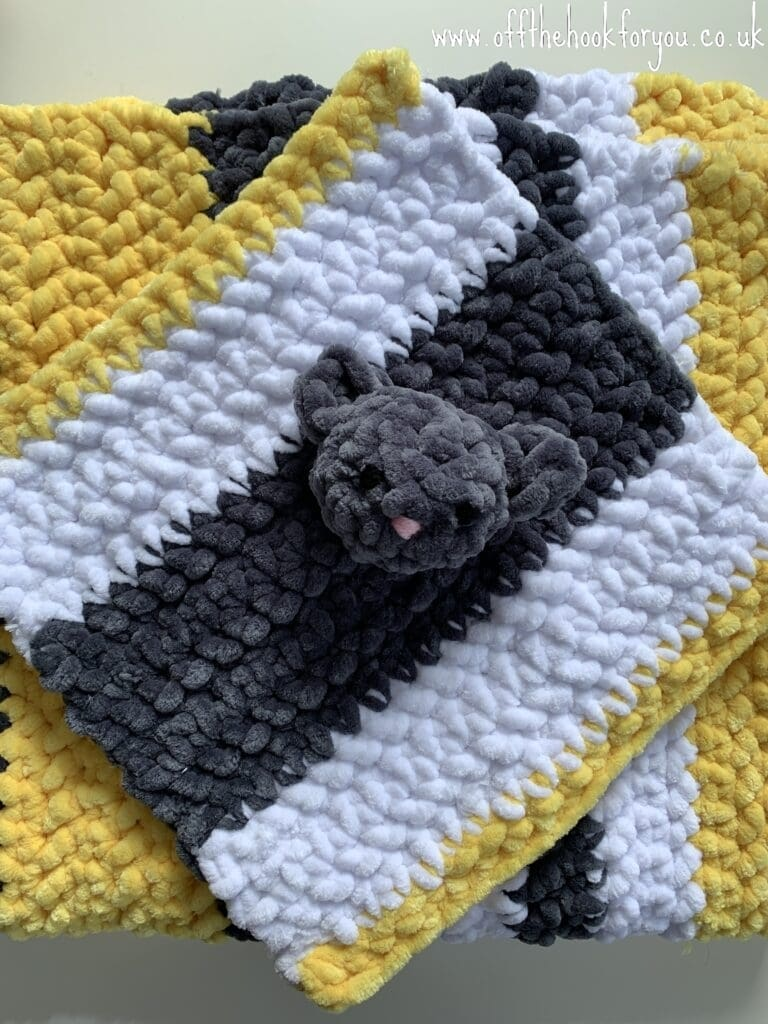 Baby Lovely and blanket free crochet pattern