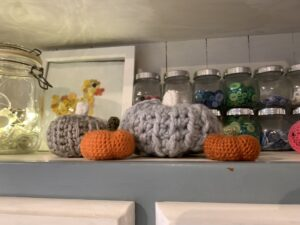 crochet pumpkin patterns - free www.offthehookforyou.co.uk